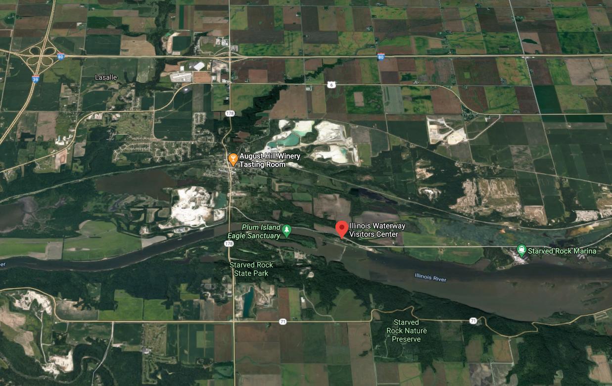 Illinois waterway visitor center